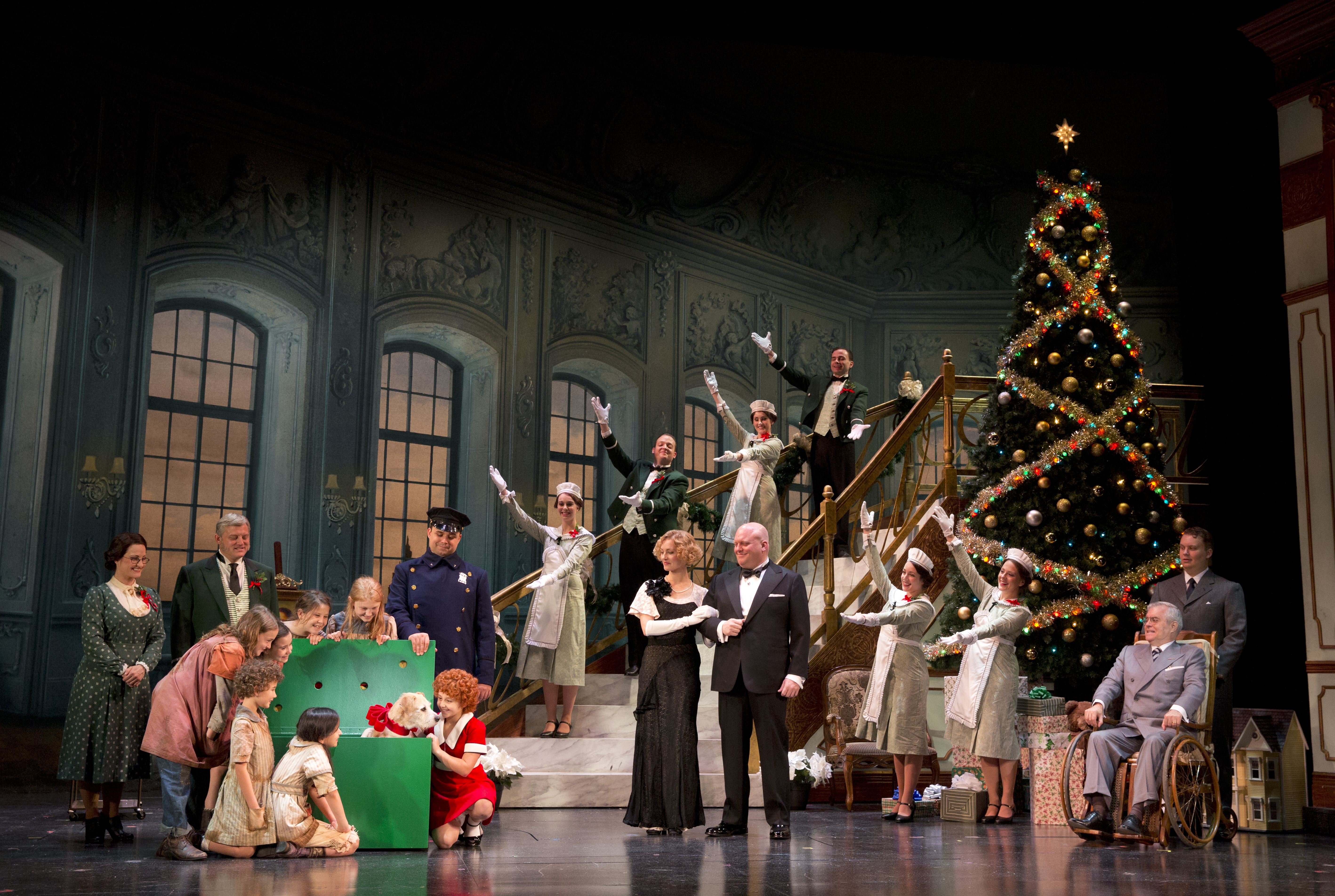 Annie' makes a grand, glorious return to Boston | onbostonstages